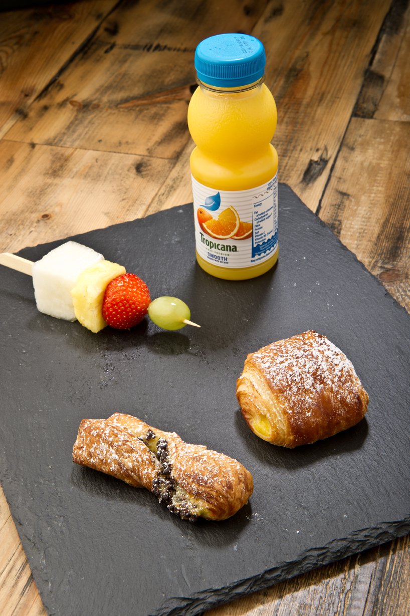 Fruit and pastries breakfast catering